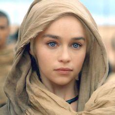 Emilia Clarke Daenerys Targaryen GoT-Game of Thrones . - Game Of Thrones