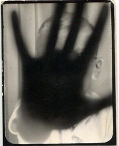 * Vintage Photo booth - Talk to the hand Vintage Photographs, Vintage Images, Vintage Ideas, Vintage Stuff, Velvet Goldmine, Old Photos, Old Pictures, Antique Photos, Photo Cabine
