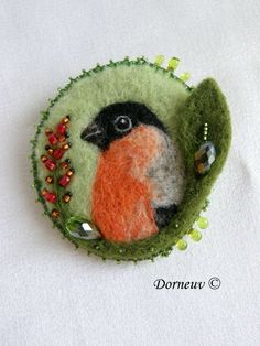 Felted bird by Dorneuv créations ©