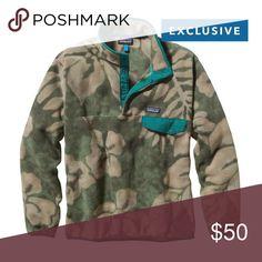 Green Hawaiian design Patagonia Synchilla Barely worn, perfect condition. Patagonia Shirts Sweatshirts & Hoodies