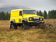 Tracked Defender 110 | http://www.lro.com/features-reviews/featured-vehicles/1411/tracked-defender-110/