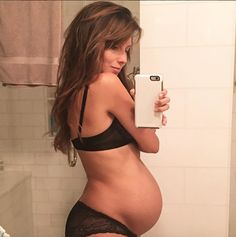 Hilaria Baldwin Shows Off Her Huge Baby Bump Alongside Son Rafael Pregnancy Goals, Pregnancy Workout, Pregnancy Fitness, Maternity Session, Maternity Photography, Post Baby Body, Pregnant Celebrities, Celebrity Babies, Baby Bumps