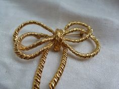 Vintage Goldtone Brooch  Large Gold Tone Brooch by CurranStudios, $9.50