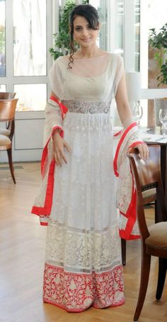 MM  completely in love  with a modern twist  taraanacouture@gmail.com