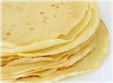 """Crepes (Low-carb, higer-protein) with cottage cheese. I use these in so many more ways than just """"crepes"""". In both sweet or savory recipes, as wraps, tortillas, noodles – they are a great way to still make those dishes you love without the unneeded carbs. Low Carb Crepes, Low Carb Bread, Low Carb Desserts, Healthy Crepes, Healthy Eating, Low Carb Breakfast, Breakfast Recipes, Diabetic Recipes, Cooking Recipes"""