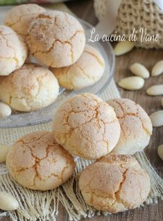 things to eat in italy Baking Recipes For Kids, Apple Recipes Easy, Easy Cookie Recipes, Pumpkin Recipes, Sweet Recipes, Snack Recipes, Dessert Recipes, Biscotti Cookies, Almond Cookies