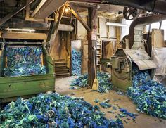 Photographer Christopher Payne Shines a Light on the Hidden World of America's Textile Industry - My Modern Met