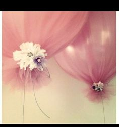 tulle balloons such a cute idea for girls birthday parties or showers!!!! Love the idea!