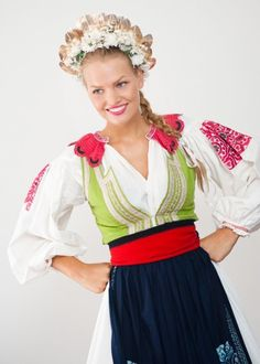 cute floral crown with height - very flattering European Costumes, Costumes Around The World, Bohemian Girls, Beautiful Costumes, Love Culture, Folk Costume, World Of Color, Traditional Dresses, Floral Crown