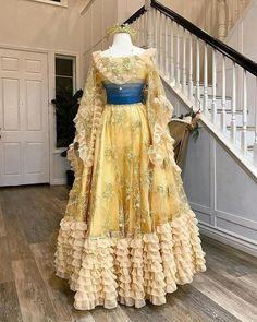 Fairytale Fashion, Fairytale Dress, Disney Princess Dresses, Disney Dresses, Royal Dresses, Ball Dresses, Vintage Ball Gowns, Vintage Dresses, Costumes Couture