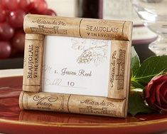 The Wine Cork Photo Frame Place Card Holder is perfect for a rustic, country-chic theme. This Wine Cork Photo Frame Place Card Holder includes a place card insert. Unique Party Favors, Rustic Wedding Favors, Wedding Decoration, Baby Shower Favors, Fall Place Cards, Cork Frame, Cork Art, Wine Cork Crafts, Cadre Photo