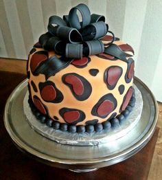 Too Sweeties Bake Shoppe..Leopard print cake.