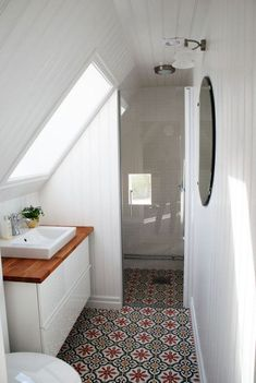 If you are looking for Small Attic Bathroom Design Ideas, You come to the right place. Below are the Small Attic Bathroom Design Ideas. Small Attic Bathroom, Beautiful Small Bathrooms, Loft Bathroom, Upstairs Bathrooms, Bathroom Interior, Bathroom Sinks, Bathroom Flooring, Bathroom Modern, Sloped Ceiling Bathroom