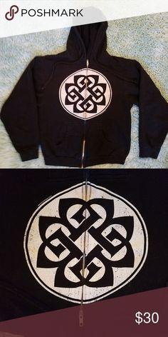 bb7d24b92445 Breaking Benjamin Hoodie Super comfy hoodie with breaking Benjamin s logo.  Purchased at their 2015 tour