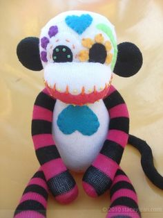 dia de los muertos sock monkey!...so cute but i think my mom could funky it up a little =]