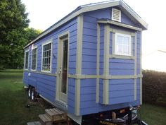 Tiny Houses:Small Spaces, To Live Small and Dream Big!