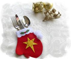 Decorate your Christmas Table with cute Mitten cutlery holders. They are very…