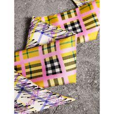 Écharpe ultrafine en soie à motif check griffonné (Jaune Vif) - Femme    Burberry 00a97bfd864