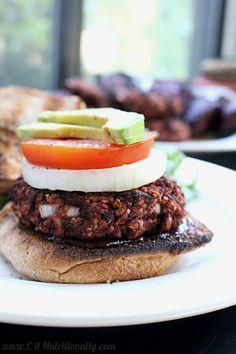 Gluten Free & Vegan Quinoa Beet Burger | C it Nutritionally  #MeatlessMonday