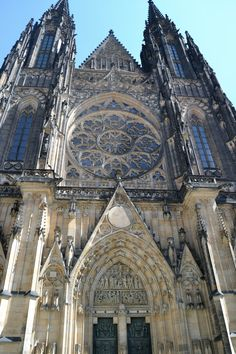 St. Vitus's Cathedral, Praha. One of my favorite places we visited. The cathedral was beautiful!!