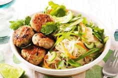 Chicken patties with noodle salad- Drizzle a zesty lime and sweet chilli sauce over these tasty chicken mince patties and rice noodle salad. Quick Chicken Recipes, Healthy Chicken Dinner, Mince Recipes, Cooking Recipes, Easy Cooking, Sweet Chilli Sauce, Sweet Chili, Chicken Patties, Noodle Salad
