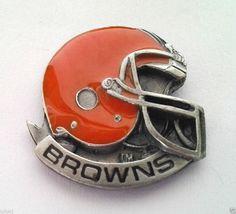 *** CLEVELAND BROWNS HELMET *** Novelty NFL Hat Pin P52024 EE