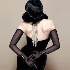 Fashion Mode, Look Fashion, Fashion Tips, Fashion Clothes, High Fashion, Gants Vintage, Kiki De Montparnasse, Dita Von Teese Style, Dita Von Tease