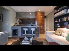 armários cinza para cozinha integrada com sala de estar com parede de nichos Foto The Holk Condo Design, New Years Eve Party, Kitchen Hacks, Kitchen Ideas, Loft, Table, Furniture, Home Decor, Videos