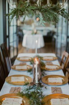 Winter tablescape: http://www.stylemepretty.com/2015/02/20/elegant-and-intimate-dinner-party/ | Photography: Jordan Brittley - http://jordanbrittley.com/
