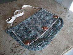 Lindas bolsas em crochê,linha 100% algodão.Perfeitas para você usar em dias de descontração,para o dia a dia!!!