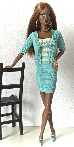 Barbie knit dress and skirt. Sewing Barbie Clothes, Knitting Dolls Clothes, Barbie Clothes Patterns, Crochet Doll Clothes, Knitted Dolls, Clothing Patterns, Barbie Gowns, Barbie Dress, Barbie Doll