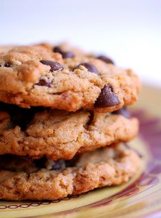 peanut butter, chocolate chip, toffee, and corn flake cookies... wow!!