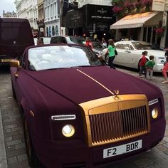My Saturday Car is a New Rolls Royce Phantom don't know exact color I want it yet but I like this one ya feel me Auto Rolls Royce, Voiture Rolls Royce, Rolls Royce Wraith, Rolls Royce Phantom, Bugatti, Maserati, Sexy Cars, Hot Cars, Porsche 550 Spyder