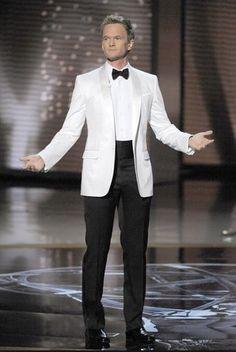 white on white White Tuxedo Wedding, Groom Tuxedo Wedding, Linen Wedding Suit, Wedding Suits, Mens Fashion Suits, Guy Fashion, Men's Tuxedo Styles, Cashmere Suit, Navy Tuxedos