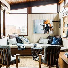 7 Solutions For A Small Living Room