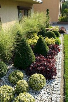 Front Yard Garden Design Impressive Front Yard Landscaping Garden Designs - Designing a front yard is usually about accessibility and invitation. We spend hardly any time in the front yard as […] Small Front Yard Landscaping, Front Yard Design, Backyard Landscaping, Landscaping Ideas, Backyard Ideas, Landscaping Software, Natural Landscaping, Landscaping Melbourne, Luxury Landscaping
