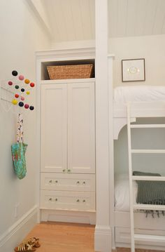 Bunk room closet ideas. Bunk room with built-in closet - cabinet. #BunkRoom #Closet.