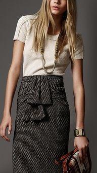 in love! burberry skirt!