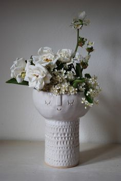 Atelier Stella - Chalice vase.
