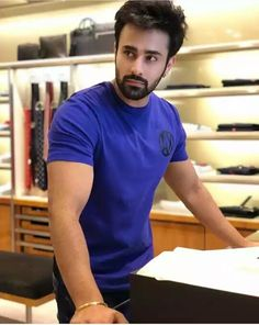 Pearl v Puri Indian Celebrities, Bollywood Celebrities, Indian Bollywood, Bollywood Fashion, Pearl Tv, Romantic Love Images, Indian Tv Actress, Tv Couples, Actor Photo