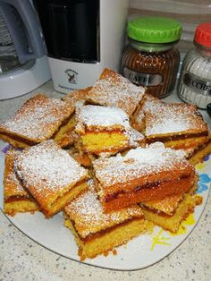Μηλόπιτα !!! ~ ΜΑΓΕΙΡΙΚΗ ΚΑΙ ΣΥΝΤΑΓΕΣ 2 Beignets, Fruit Pie, Greek Recipes, International Recipes, Cake Decorating, Deserts, Food And Drink, Cooking Recipes, Tasty