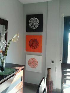 yonolotiraria: Con lienzos, pintura en spray y barras de silicona caliente