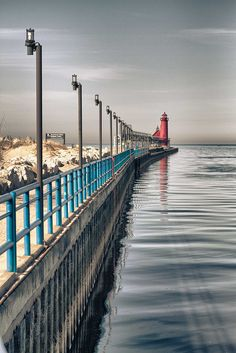 Grand Haven Michigan lighthouse -photo by Kevin James Blackmer Michigan Travel, State Of Michigan, Lake Michigan, Places To Travel, Places To See, Grand Haven, Great Lakes, Beautiful Places, Amazing Places