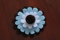 Little Things Bring Smiles: Felt Fun Flowers Baby Hair Clips, Hair Bows, Sewing Crafts, Sewing Projects, Felt Flowers, Little Things, Fun Crafts, Headbands, Bring It On