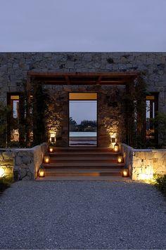 La Pedrera by Martin Gomes Arquitectos Entrance Design, House Entrance, Future House, My House, Design Exterior, Exterior Paint, Stone Houses, Estate Homes, Beautiful Homes