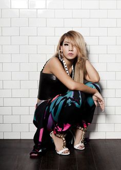 CL ( Lee Chae-lin) 2NE1 Come visit kpopcity.net for the largest discount fashion store in the world!!