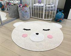 Crochet Mat, Crochet Carpet, Crochet Dolls, Diy Carpet, Beige Carpet, Carpet Ideas, Stair Carpet, Carpet Trends, Cheap Carpet