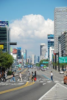 Gangnam--wide streets and modern buildings Seoul Photography, South Korea Photography, Landscape Photography, South Korea Seoul, South Korea Travel, Asia Travel, Aesthetic Korea, City Aesthetic, Travel Aesthetic