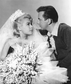 I love me some Sandra Dee!  And look at that big, gorgeous bouquet of Lily of the Valley!  Love it so much.