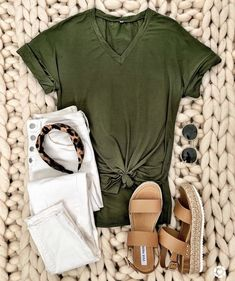 Best Casual Summer Outfits Part 2 Look Fashion, Fashion Outfits, Womens Fashion, 80s Fashion, Grunge Fashion, Korean Fashion, Fashion Tips, Spring Summer Fashion, Spring Outfits